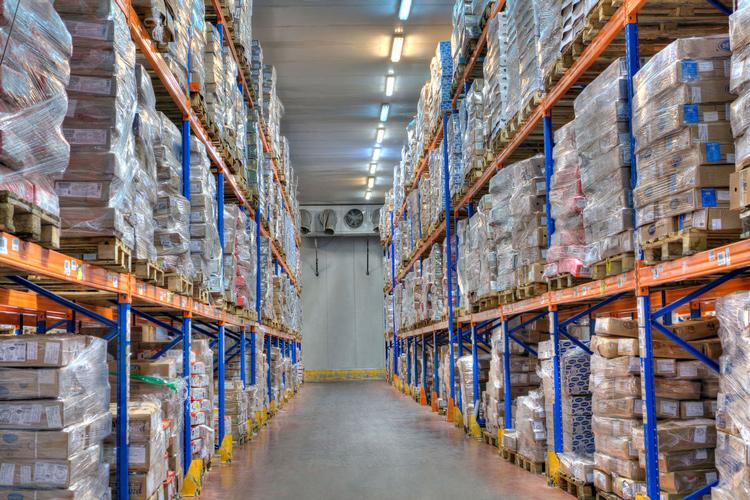 Deposito e stoccaggio merci a temperature controllate all'interno di celle frigorifere